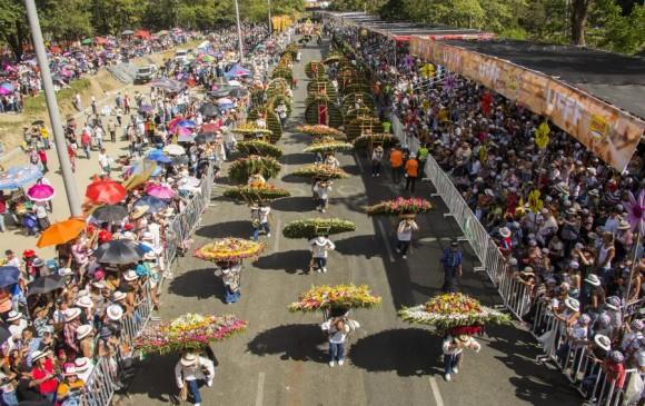 Sin público, y con tecnología y desfiles por barrios se haría Feria de las Flores este año