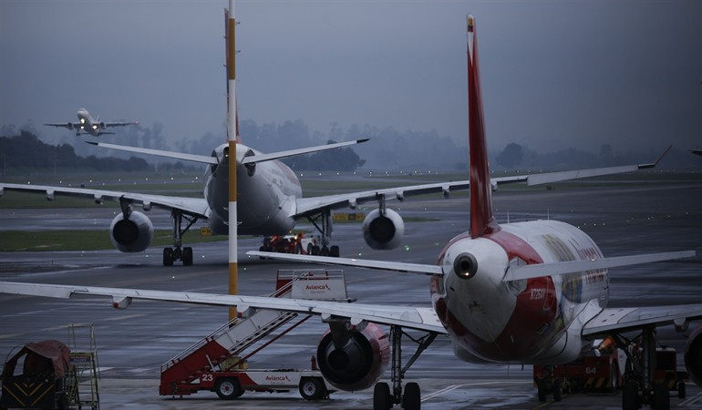 La próxima semana podría empezar el piloto de reapertura de aeropuertos: mintransporte