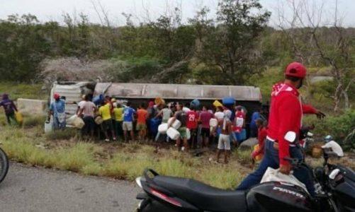 El momento exacto de la explosión del camión cisterna en la Troncal del Caribe